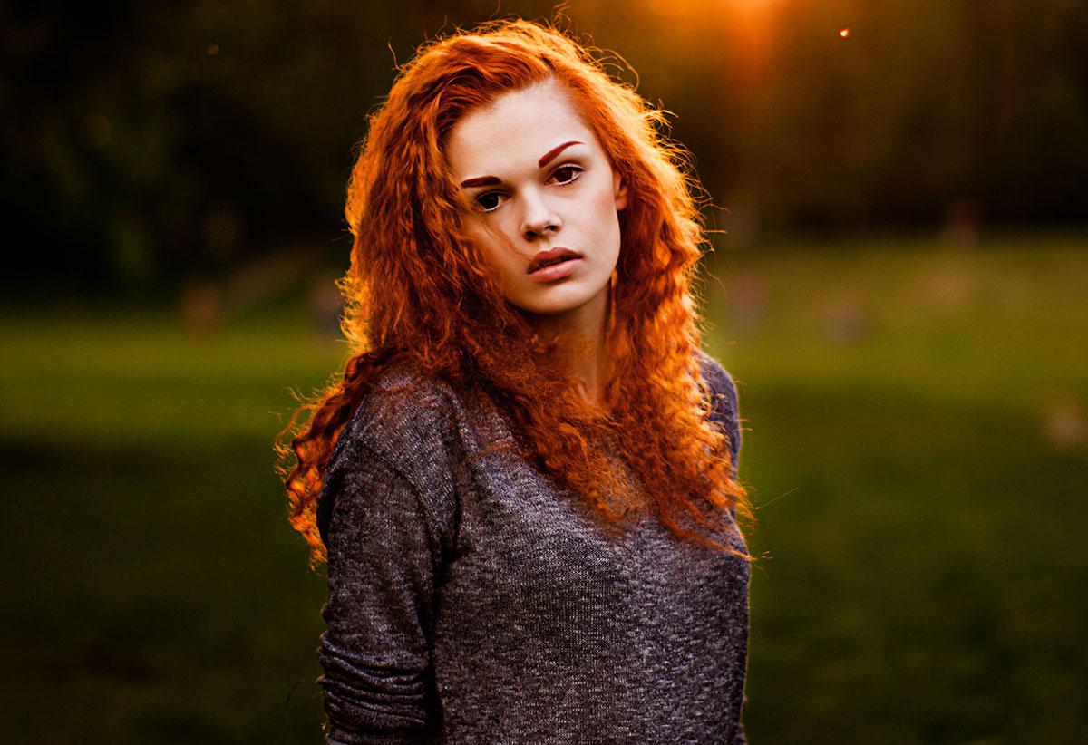 Фотосессия рыжей девушки