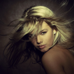 нежные портреты девушек Михаила Графика